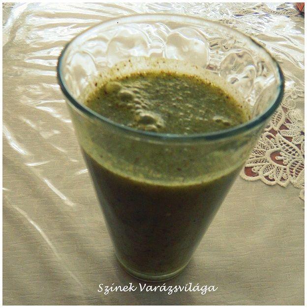 Kávé helyett, reggeli ébresztőnek is ideális ez a finom zöldturmix.   Hozzávalók:   1 db kivi 1 db alma 1/4 kígyóuborka 1 ek. búzafű fél citrom leve 500 ml víz   A hozzávalókat turmixgépbe teszem, összeturmixolom és kiöntöm egy pohárba.     Az alapanyagok a turmixban:   Egészségedre! :)