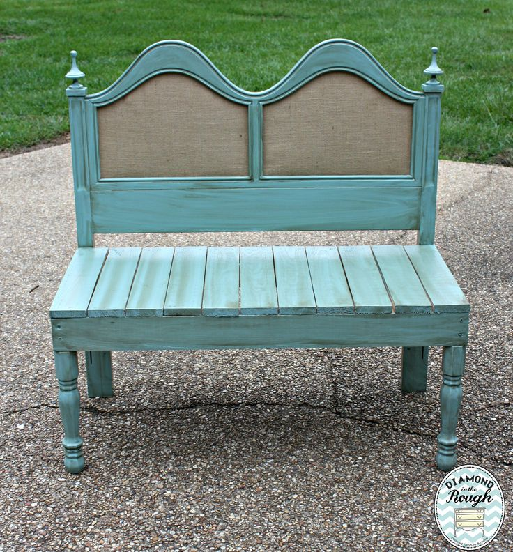 I just love this headboard turned bench !!! www.diamondintheroughms.com