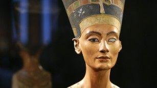 New clues in hunt for Nefertiti's tomb Climate change?