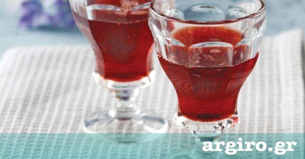 Λικέρ φράουλα από την Αργυρώ Μπαρμπαρίγου   Δροσιστικό και χωνευτικό λικέρ φράουλα, που αξίζει να το απολαμβάνουμε με τους φίλους μας.