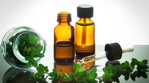 Bea 3 picături din acest ulei în amestec cu apă ca să vindeci Pneumonia și alte boli pulmonare!