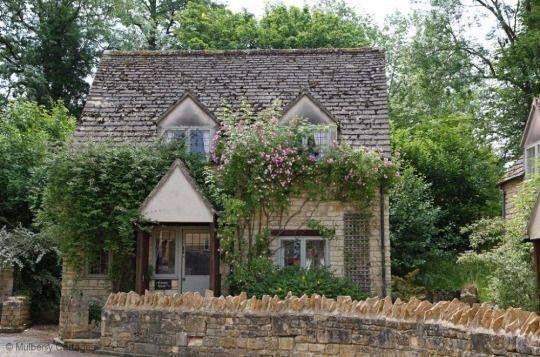 Oltre 25 fantastiche idee su cottage inglesi su pinterest for Cottage di campagna francesi