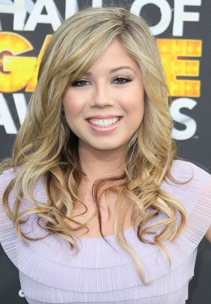 Jennette McCurdy, she may be on the young side but this girl is very pretty...