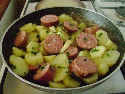 Pommes de terre à la saucisse de morteau, simple et efficace.