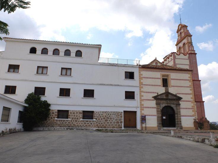 Santuario de la Virgen de las Flores. Los frailes franciscanos recoletos abandonaron el monasterio tras la Desamortización de Mendizábal.