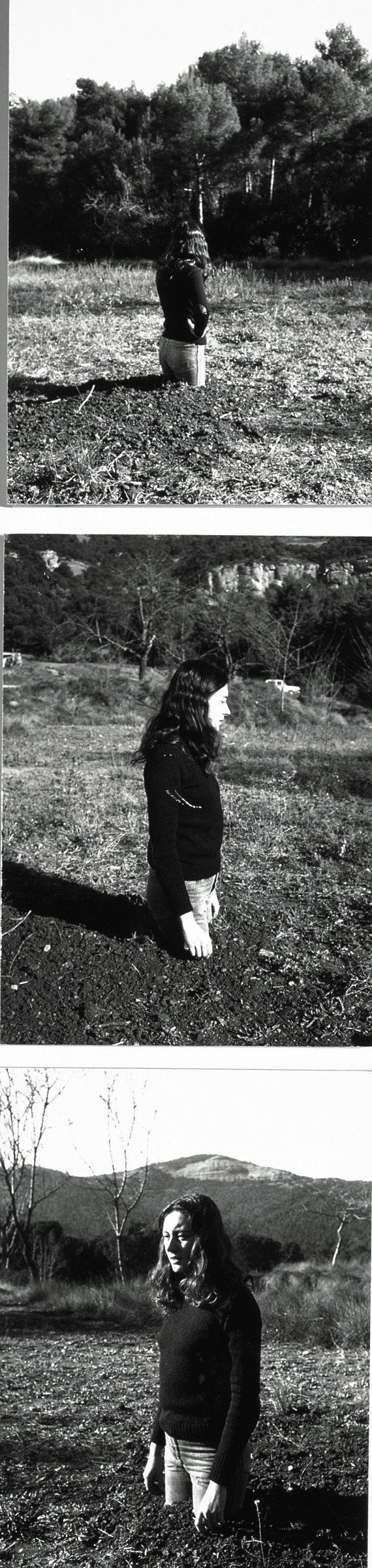 """Fina Miralles, """"Translacions. Dona-arbre"""" (Documentació de l'acció realitzada el novembre de 1973 a Sant Llorenç de Munt, Espanya) (""""Traslaciones. Mujer-árbol"""" [Documentación de la acción realizada en noviembre de 1973 en Sant Llorenç de Munt, España])"""