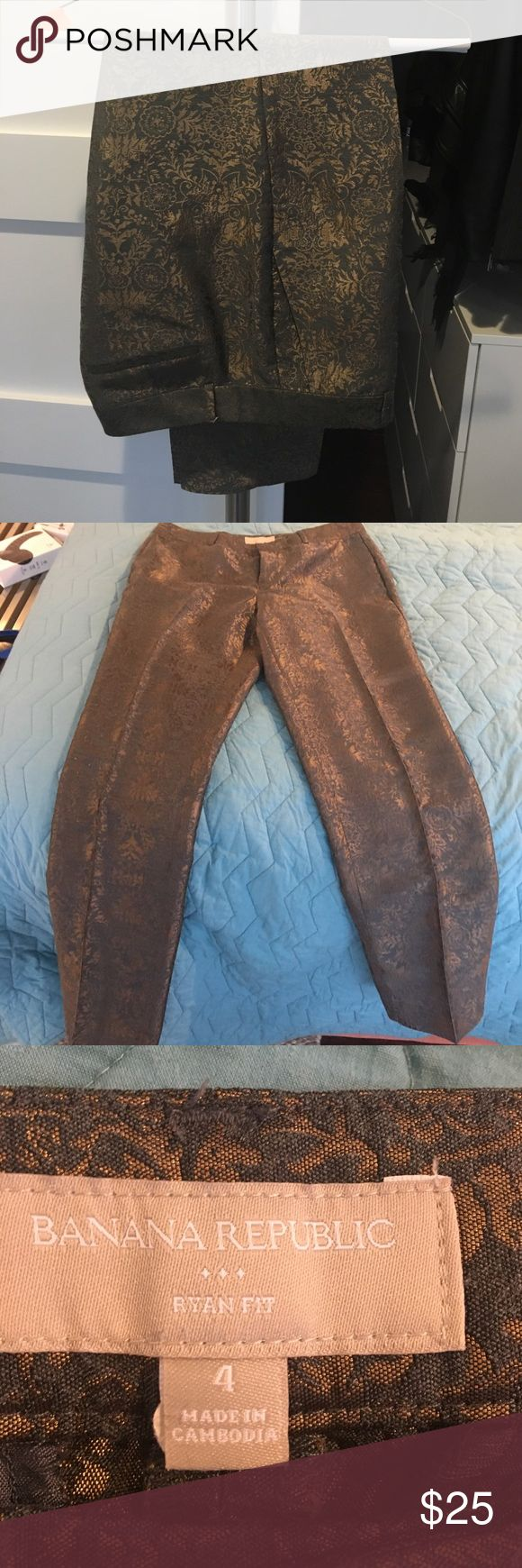 Banana republic Ryan Fit trousers Gold patter banana republic pants in excellent condition Banana Republic Pants Trousers