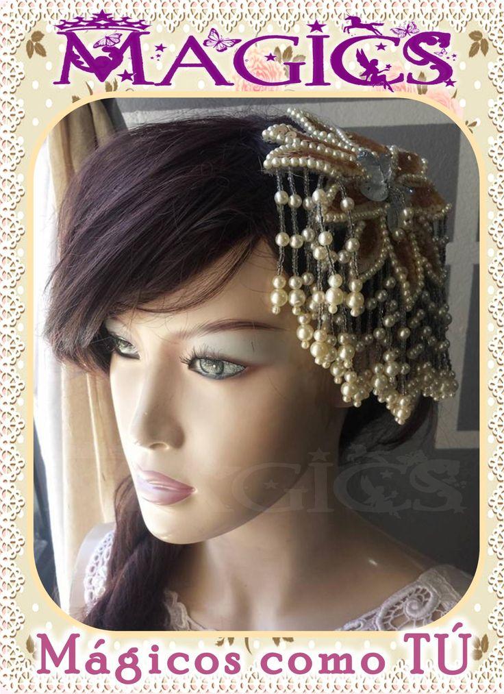 Coronas y tiaras para novias, damas y quinceañeras. Artesanales o importados. En Mexicali, B.C. #novia #bride #xv #quinceañera #dama #headpiece #tocados #boda #wedding #nupcial #bridal #peinado #peineta #comb #tiara #corona #crown #hairstyle #peinado #mexicali #glam #nice #magic #elegante #brillantes #brillos #lujoso #joyeria #jewerly #bisuteria #rhinestone #fashion #moda #vintage #princesa #princess #reyna #queen #cristal #glamour #fiesta #gown #gala #adorno #vintage #glam #royal #pearl