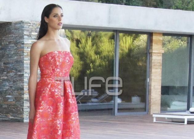 """Ευαγγελία Συριοπούλου: Μοντέλο στη Σκιάθο η πρωταγωνίστρια του """"Ελα στη θέση μου""""! Αποκλειστικές φωτογραφίες"""