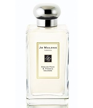 English Pear and Freesia by Jo Malone is a sweet, floral Chypre Fruity fragrance with melon and pear in the top. Freesia and rose in the middle. Musk, patchouli, amber and rhubarb in the base. - Fragrantica