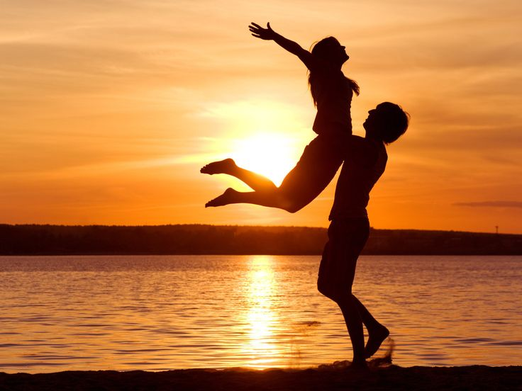 linda puesta de sol  romántica
