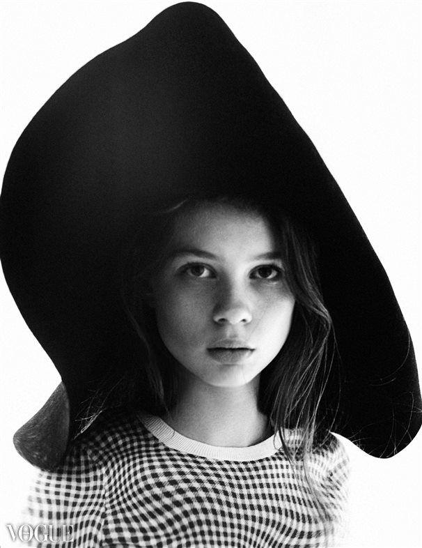 photo: KOTY2 stylist: Różena Grey hat: Anna Pietrowicz #vogue #fashion #hat #japanfashion #deconstruction