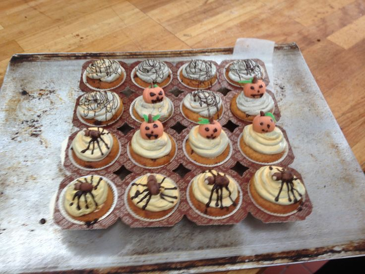 Cupcakes med halloweentema