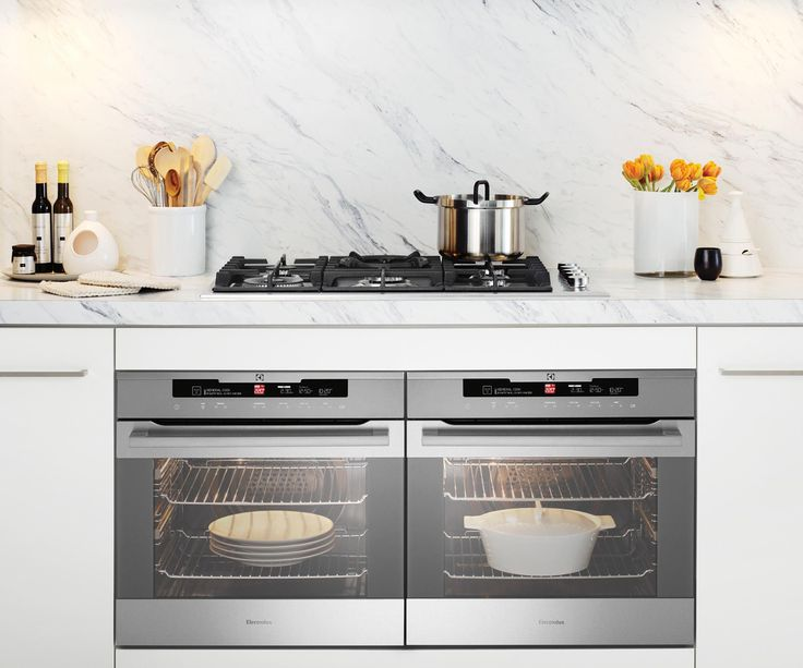 From budget to luxe and freestanding ovens with built-in induction cooktops, to compact steam ovens that clean themselves, this guide will help you decide which oven is right for you. #kitchen_appliances