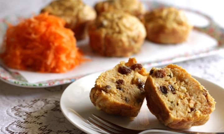 These healthy lunch box muffins are a little bit savoury, but sweetened naturally with the addition of grated apple and sultanas. They're a great alternative to sandwiches in lunch boxes and can be enjoyed warm or cold.