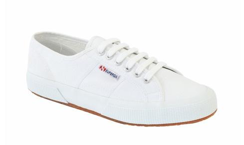 Classic white cotton sneaker