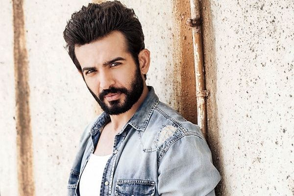 Jay is a well-known Indian actor. He gained a lot of fame after working for Ekta Kapoor in Shergill. Jay has also worked in some of the movies like Hate Story 2. Net Worth The net worth of Jay Bhanushali is not known. Income Source The major source of income for Jay is the TV shows he works in. Real Name The real name of this handsome actor is Jay Bhanushali Date of Birth: 25thDecember 1984 Age: 32 Years Height/Weight: Jay has an average height as he is 5 feet and 8 inches tall. In addi...