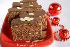 Prajitura snickers cu nuci si glazura de ciocolata - Culinar.ro