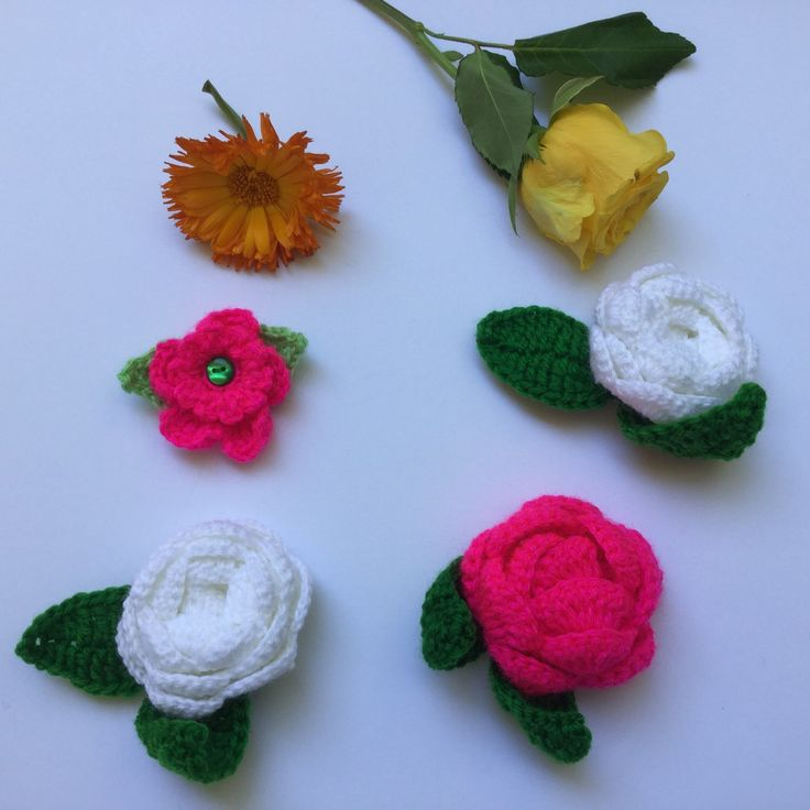 Crochet flowers as stocking stuffers!