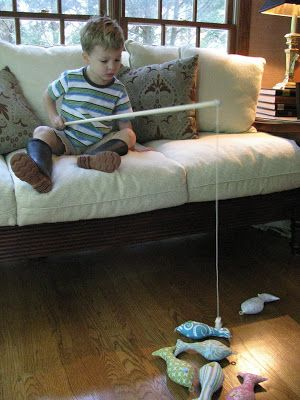 My little Owen caught his first fish all by himself over the Fourth of July weekend and it got me thinking. Then I remembered this  tutorial...