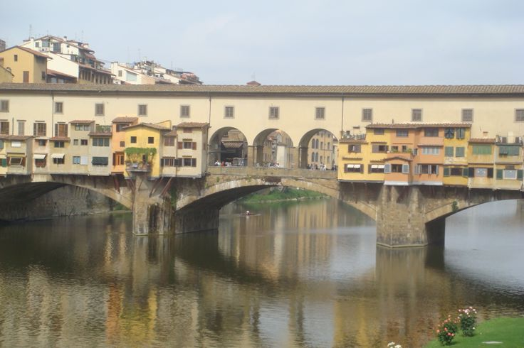 Florence and the only bridge to survive both World War I and II. Now a home to gold merchants.