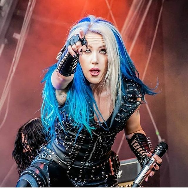 Pin By Kenny On Alissa White Gluz Alissa White Multi Colored Hair Female Singers