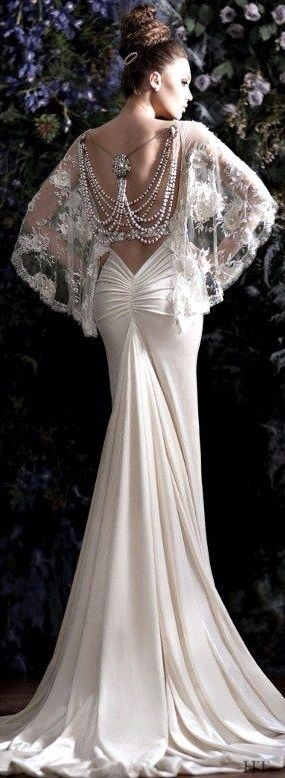how sexy is this!!!  wouldn't it be great as the back of a saree blouse? white wedding gown