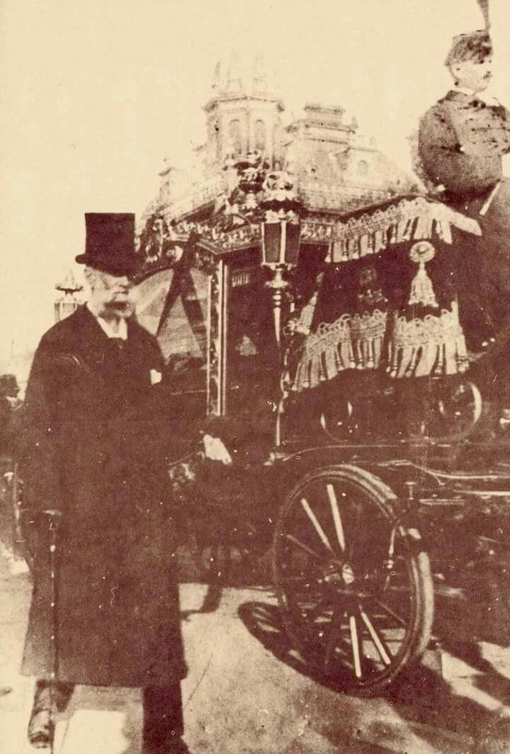 1894. Kossuth Lajos temetése.  Az előtérben Báró Podmaniczky Frigyes