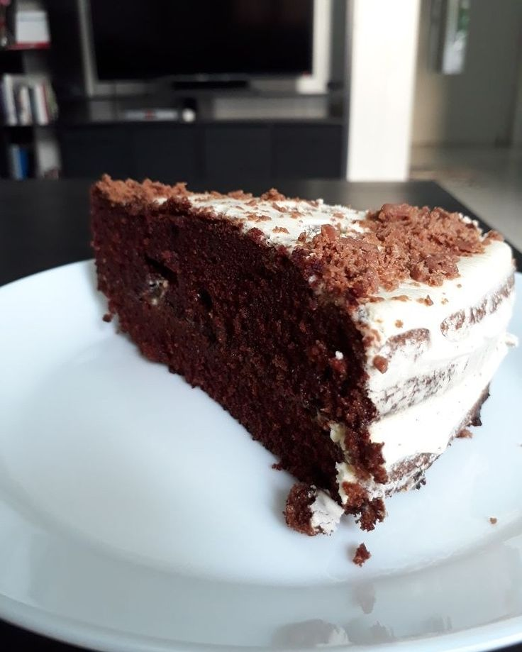 Yummy chocolate cake frosted with dream whip & cadbury flakes Recipe : Foodcast