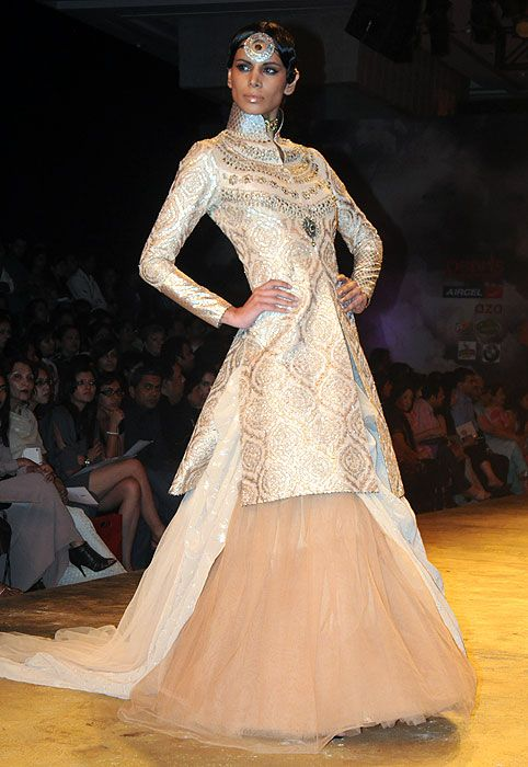 JJ Valaya, Indian, Indian dress, Indian Bridal, bridal gown, bridal dress, asian, fashion, couture