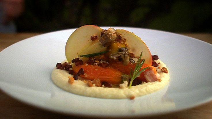Høsttallerken med små gulrøtter, pastinakk og sellerirotpuré  Foto: SVT