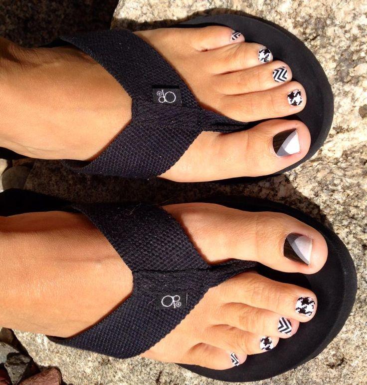 I LOVE my new Jamberry Pedicure!