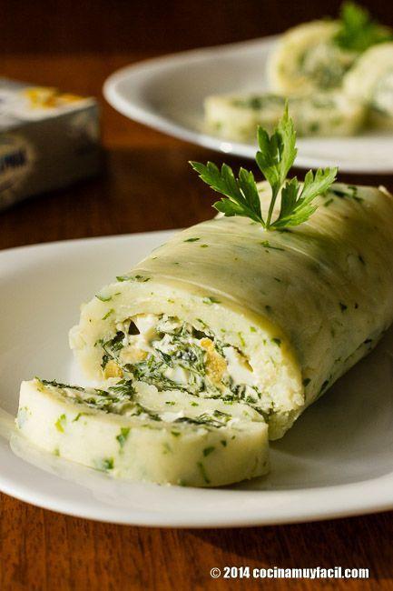 Receta de rollo de papa con espinacas. Con fotografías, consejos y sugerencias de degustación. Recetas de verduras y entrantes
