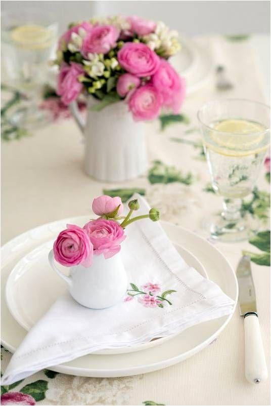 #flowerdecor #diningtable #teacups #fancy #home #decor #ideas #lifestyle