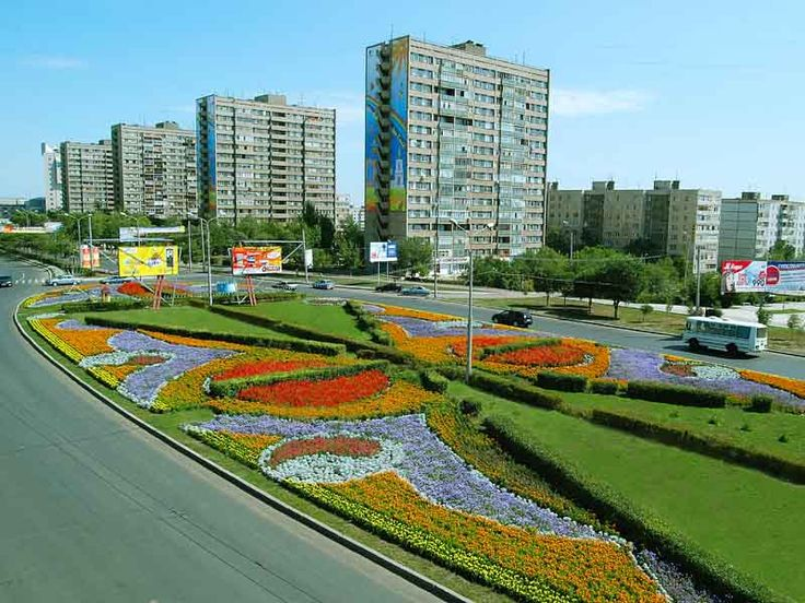 The city of Orenburg is a city in the south of the Urals in Russia, the administrative center of the Orenburg region. The population at the end of 2011 is actually 547 thousand people (29th in terms of population in Russia). The city is located on the Ural River (Yaik), near the confluence of the Sakmara River in it, 1468 km east of Moscow. Orenburg is located entirely in Europe.