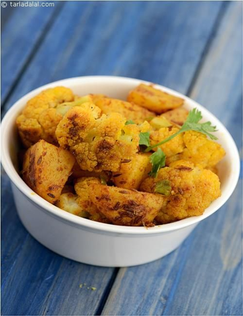 Aloo Gobhi, a regular in a punjabi subzi recipe that can be eaten with puris for breakfast or with a meal.