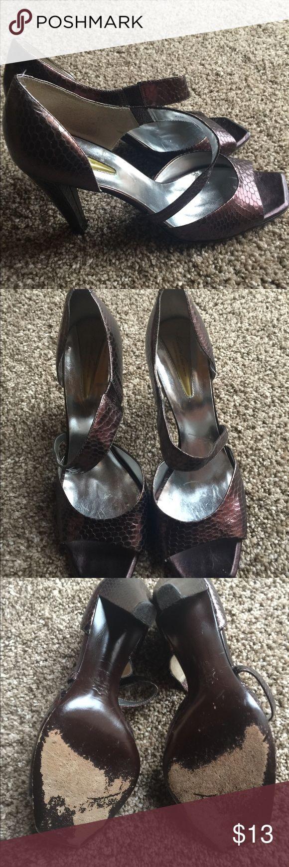 ** KENNETH COLE** ~ Snakeskin Heels ~ Size 8 1/2 ** KENNETH COLE** ~ Snakeskin Heels with Silver Technology ~ Size 8 1/2 ~ Burgundy Snakeskin ~Worn and sanitized Kenneth Cole Shoes Heels