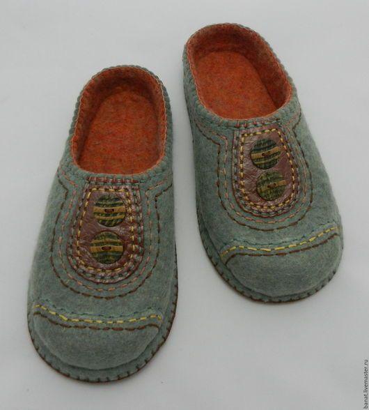 """Обувь ручной работы. Ярмарка Мастеров - ручная работа. Купить Тапки валяные домашние """"Шерсть+кожа 2"""". Handmade. Валяные тапочки"""
