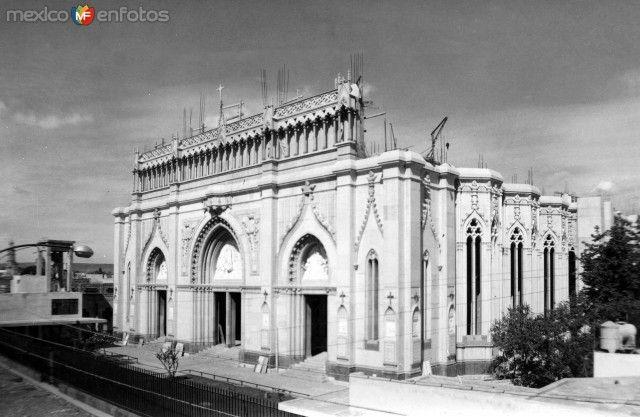 ConstruccióndelTemploExpiatoriodelSagradoCorazón. León, Guanajuato (ca. 1950).