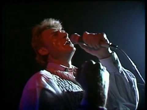 Johnny Hallyday - Que Je T'aime  live At Montreux, 1988. http://movielandsend.blogspot.com