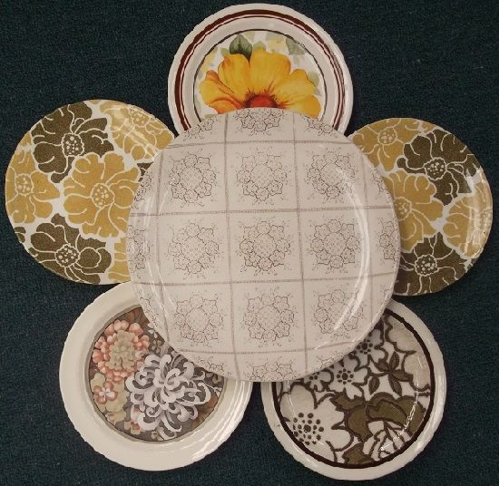 Plate flower in pretty patterns