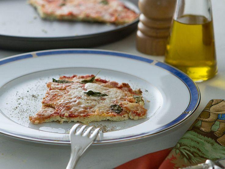 pizza-de-couve-flor-na-mesa
