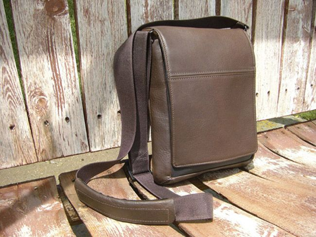 Waterfield Personal Muzetto Man Bag   #USMADE   http://www.sfbags.com/products/muzetto-leather-bag