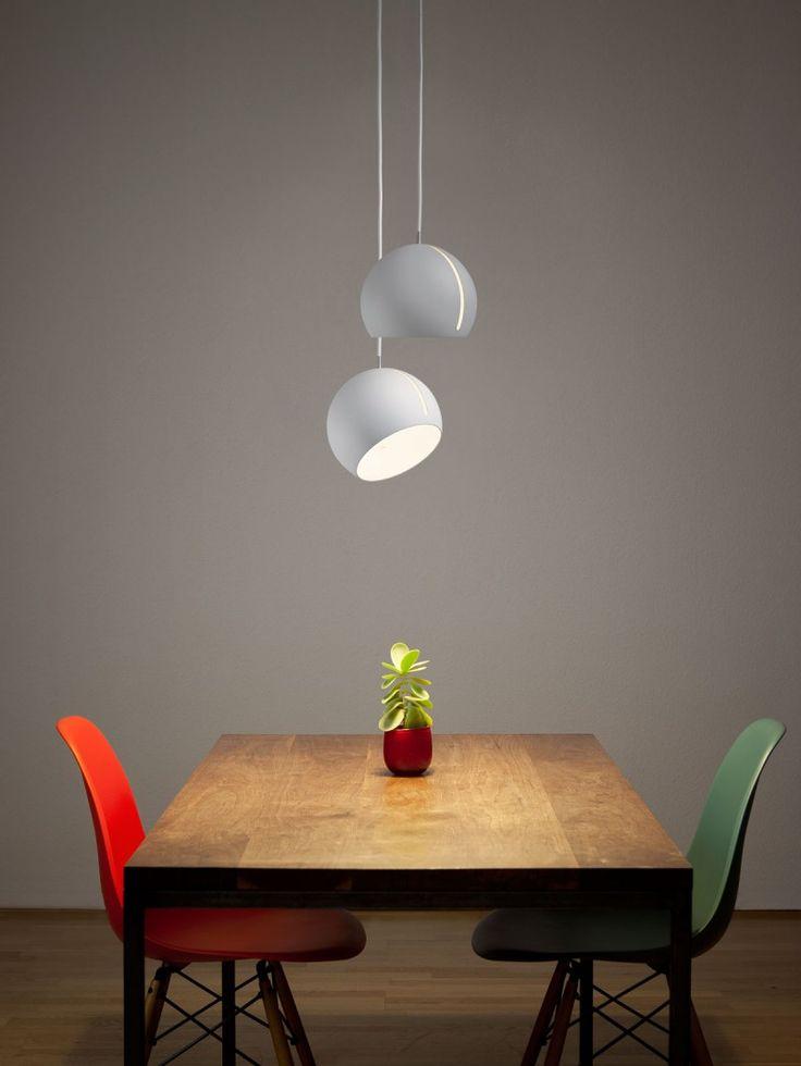 Mit Der Designleuchte TILT GLOBE Von Nyta Leuchtet Ihr Den Raum Perfekt Aus    Der Leuchtschirm