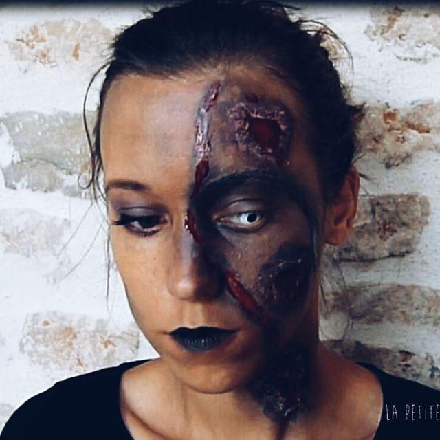 Hello 😊. Je poursuit sur ma lancé et donc voici un nouveau maquillage pour halloween 🎃 👻  Dsl pour celles et ceux qui n'apprécie pas cette fête.  Bon week-end 😘  #halloween #halloweenlookbook #halloweenmakeuplook #zombiemakeup #zombie #maquillagehalloween  #makeuplook #halloweenzombie #lapetitemumy #youtubeuse #Blogger #halloweenlook #lookhalloween #face #doubleface  #diyhalloween #diy #latex #fx #fxmakeup #makeupfx #diylatex #maquillagelatex