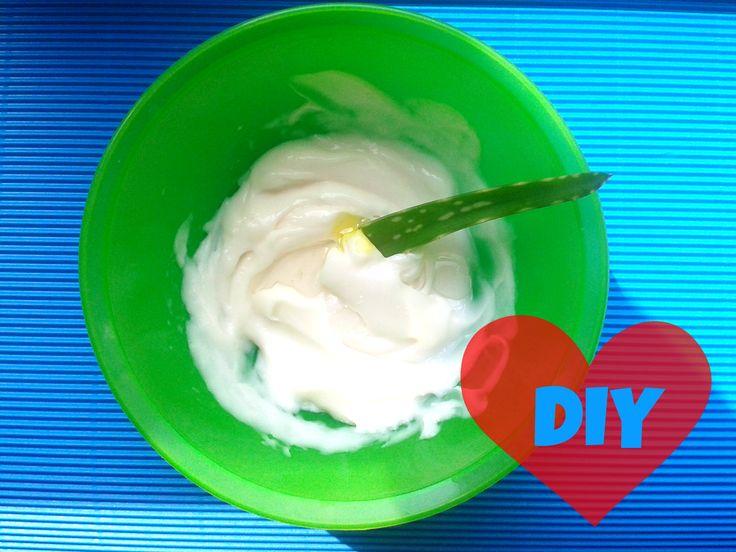 Trockenes, sprödes Haar und nichts hilft? 5 einfache Rezepte für ein Haarkur zum Selbermachen: Mit Olivenöl, Avocado, Eigelb und anderen natürlichen Zutaten