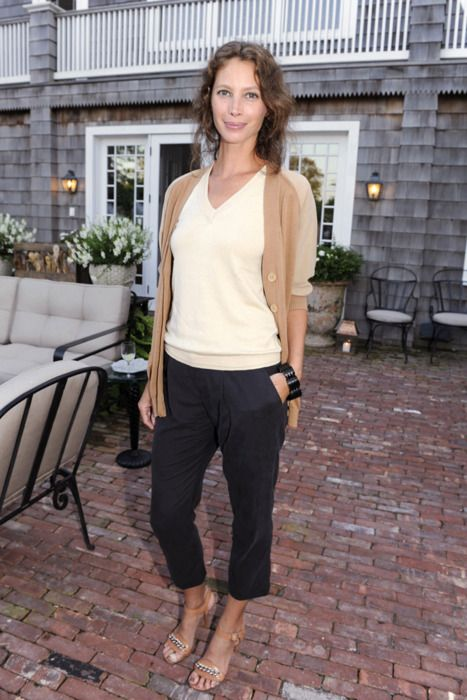 having met christy turlington once, i want to age like her - so natural, so stunning, so lovely.
