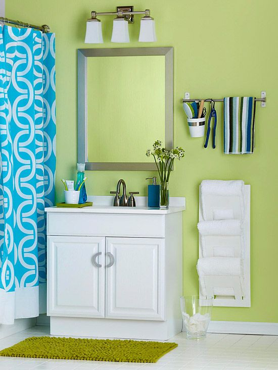 Check out that cool idea for a towel rack... and I love the colors