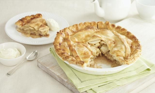 A British apple pie has to be the classic dessert or tea time treat. It is the stalwart of baking and I have yet to meet someone who does not enjoy a slice of the pie.