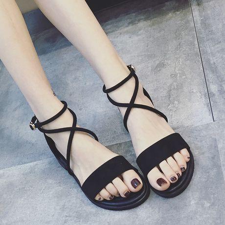 2017 новые товары корейский лето пересекать бандаж квартира с сандалии женщина англия ретро квартира рим обувной рыбий рот обувной
